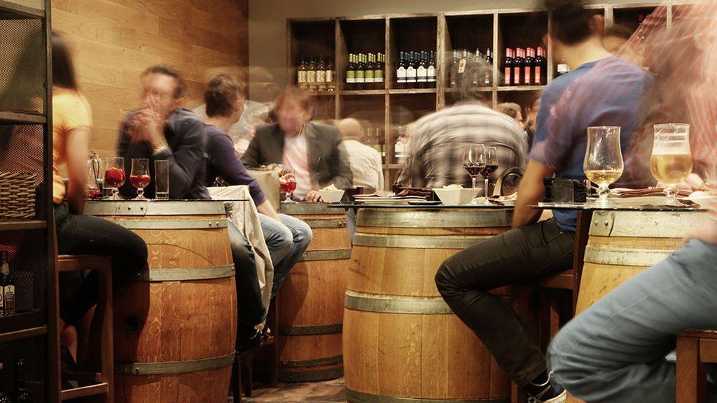 Los expertos advierten: el consumo de alcohol entre menores se basa en el atracón y la falta de noción de peligro