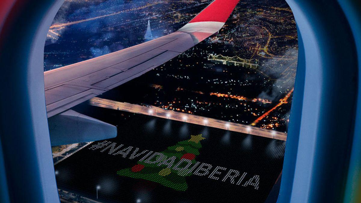 Iberia exhibe felicitaciones de Navidad gigantes
