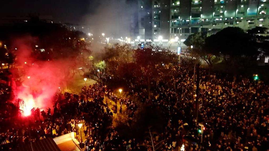 Minuto a minuto: las protestas de Tsunami Democràtic ante el partido Barcelona-Real Madrid