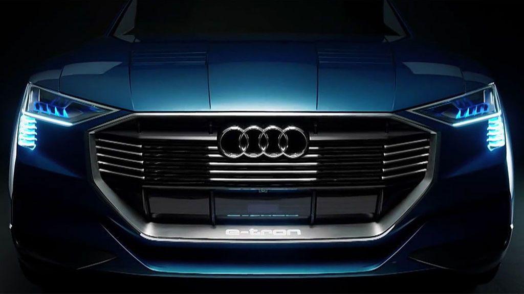 Demandan a un hombre porque su hija raya con una piedra 10 Audi en un concesionario