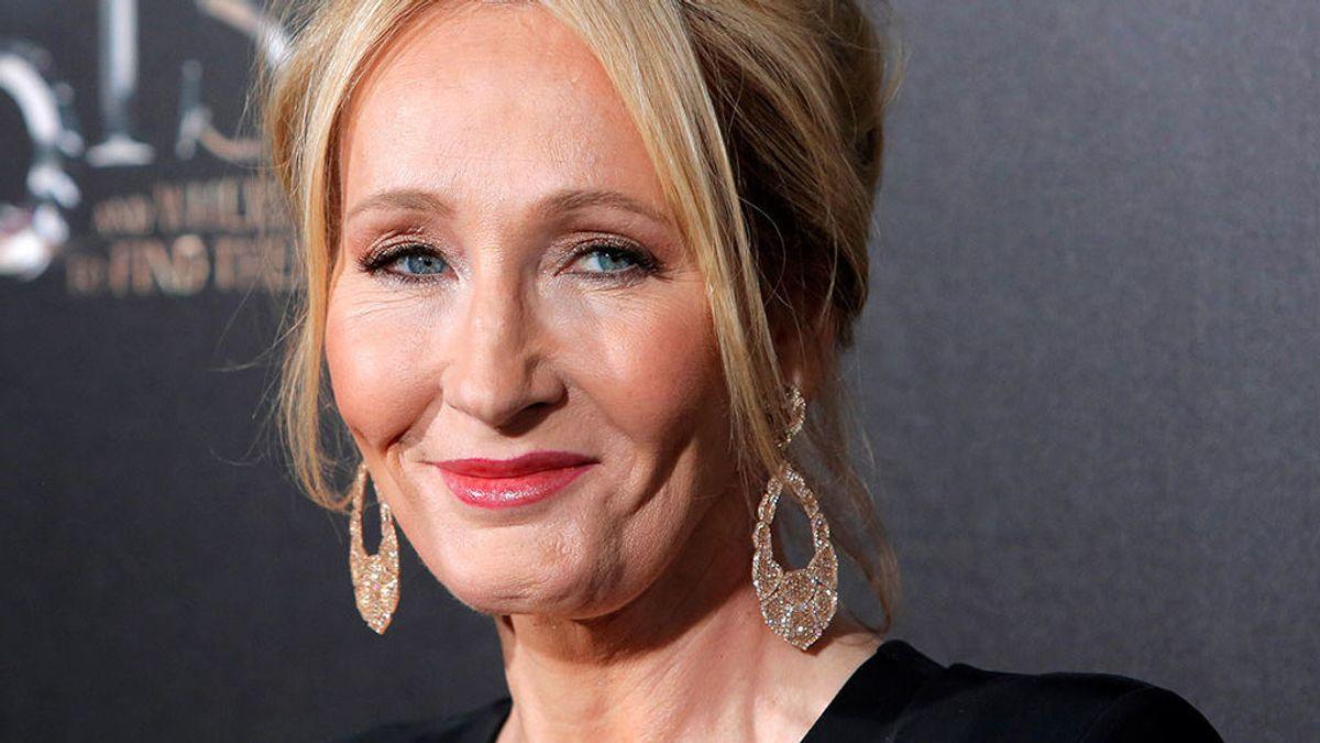 """Acusan a J.K. Rowling, creadora de 'Harry Potter' de """"feminista radical"""" y """"tránsfoba"""" por este comentario"""