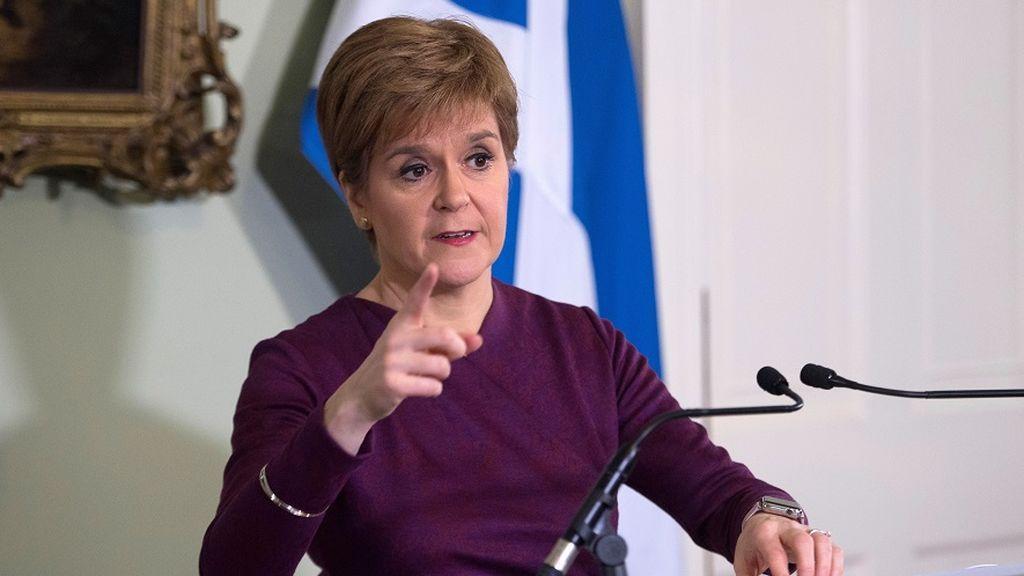 La ministra principal de Escocia solicita un segundo referéndum de independencia a  Johnson
