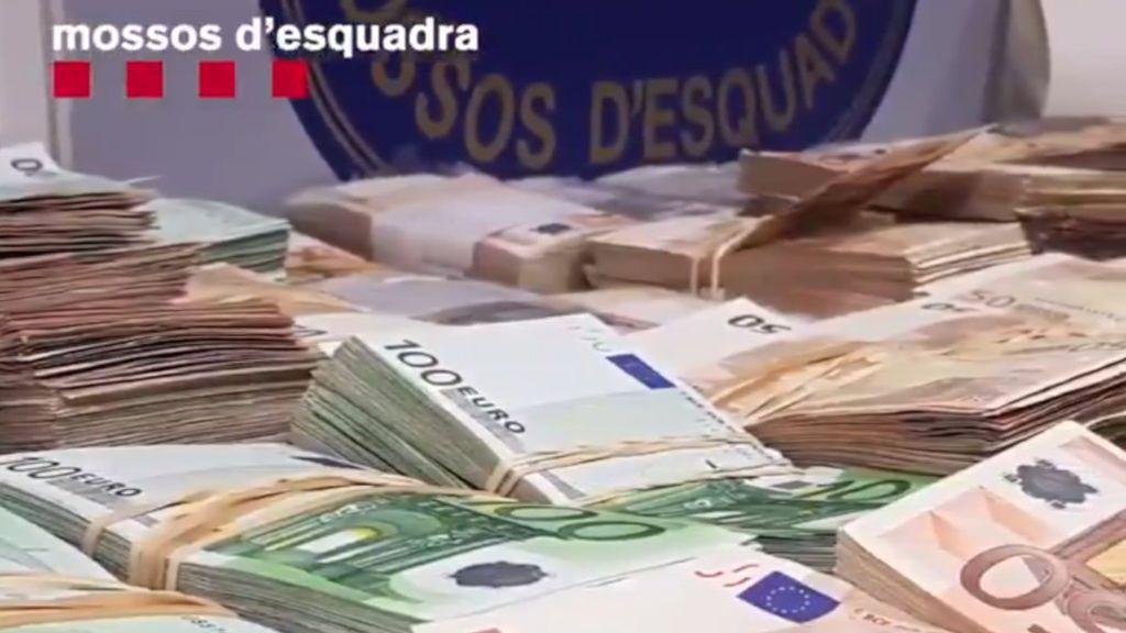 Los Mossos encuentran 3,5 millones de euros en el trastero de un supuesto estafador de ancianas