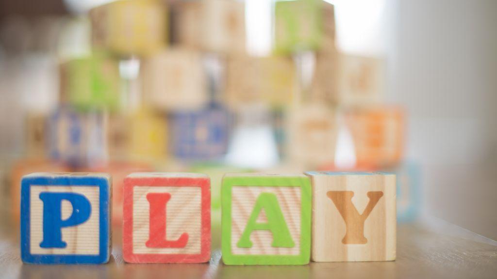 Padres y abuelos, el mejor juguete no es caro, no es electrónico y no es un objeto