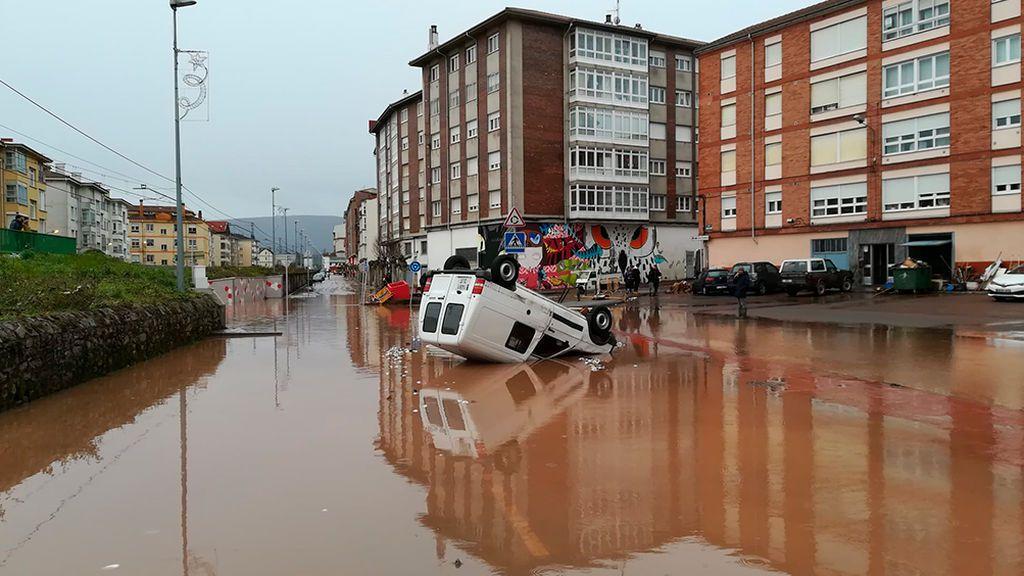 El temporal Elsa deja el tercer fallecido al caer con su tractor a un río desbordado en León