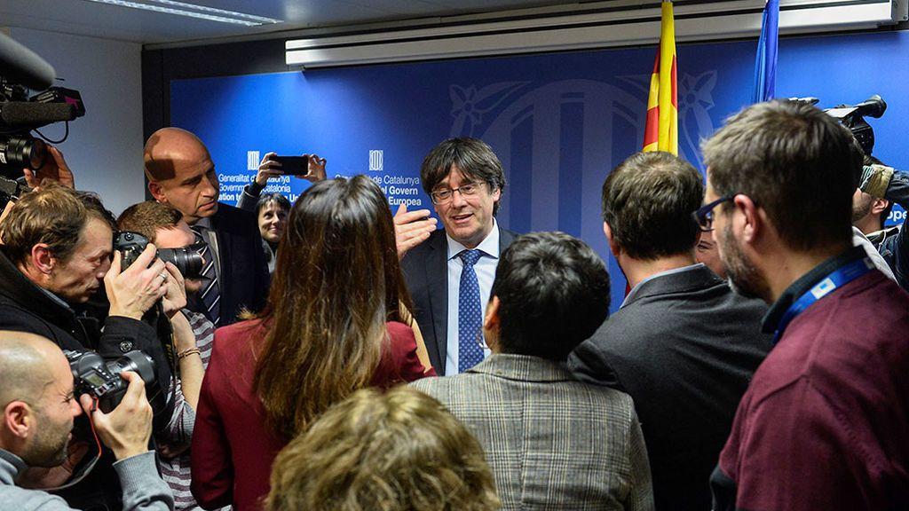 Puigdemont pactó en cuatro llamadas con el presidente de la Eurocámara su entrada como diputado