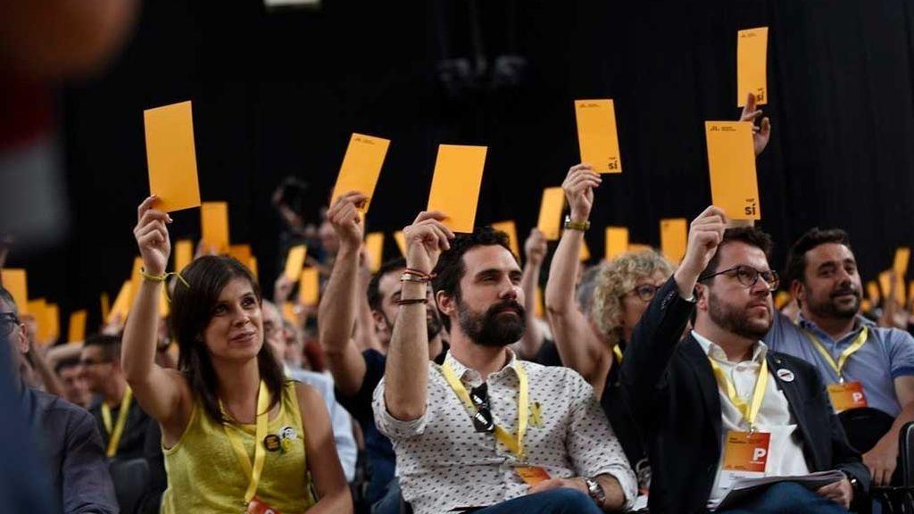 El Congreso de ERC vota la hoja de ruta hacia la independencia sin renunciar a ninguna vía