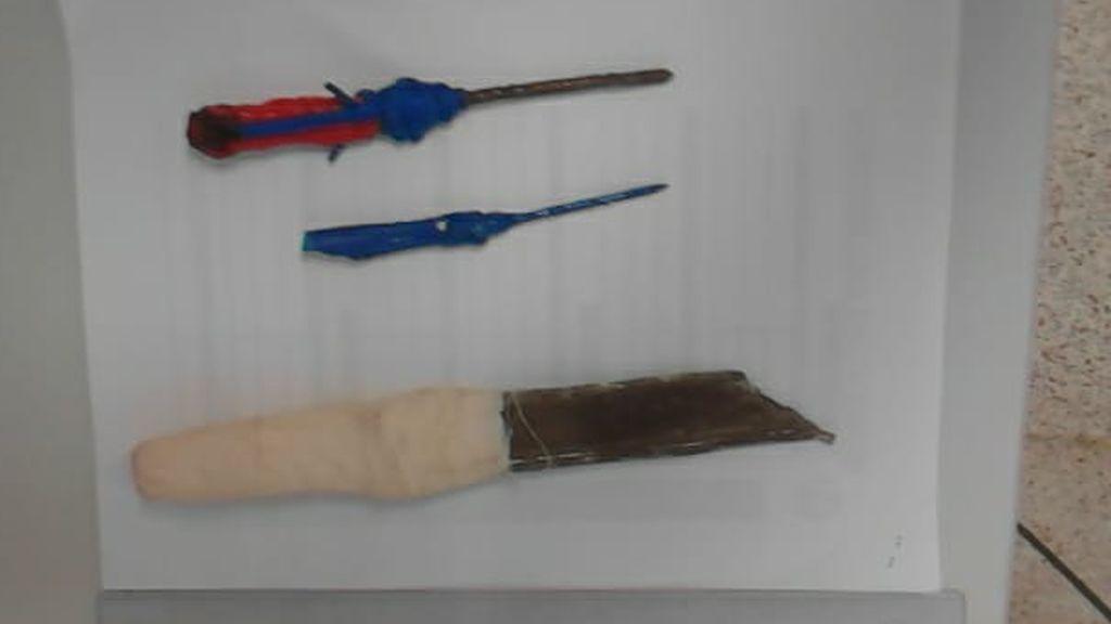 Puñales caseros fabricados por internos de Botafuegos (Algeciras) con diversos elementos metálicos