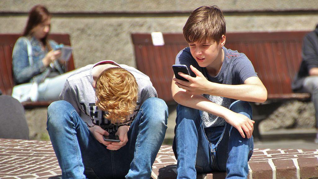 Madrid prohibirá el teléfono móvil en los centros escolares a partir de septiembre