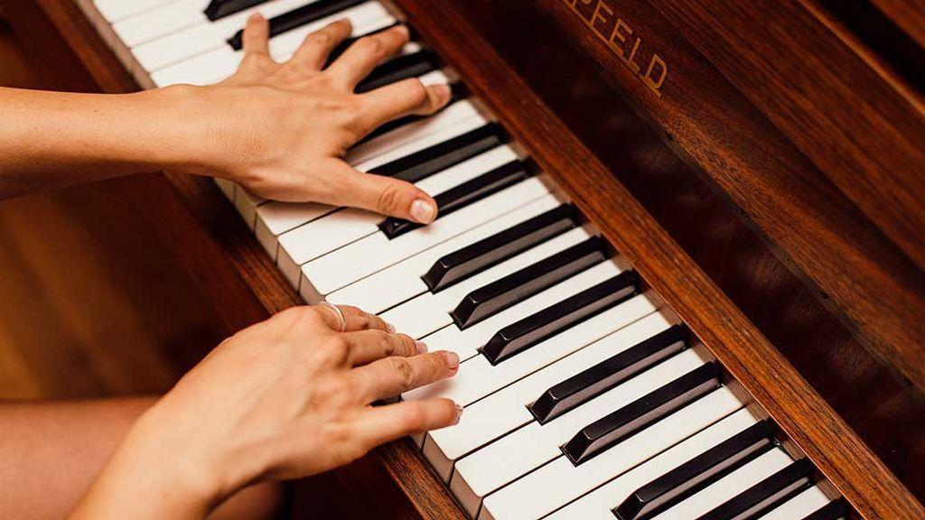 Tocar hasta que duela: el 70% de los músicos sufre lesiones que les obligan a parar