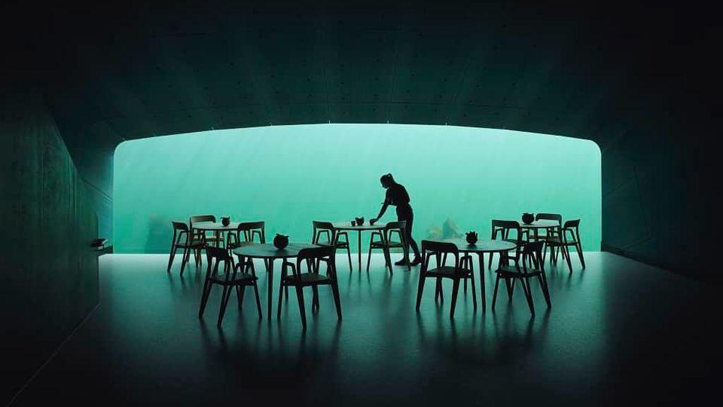 Cenar bajo el mar: cómo es el primer restaurante sumergido de Europa