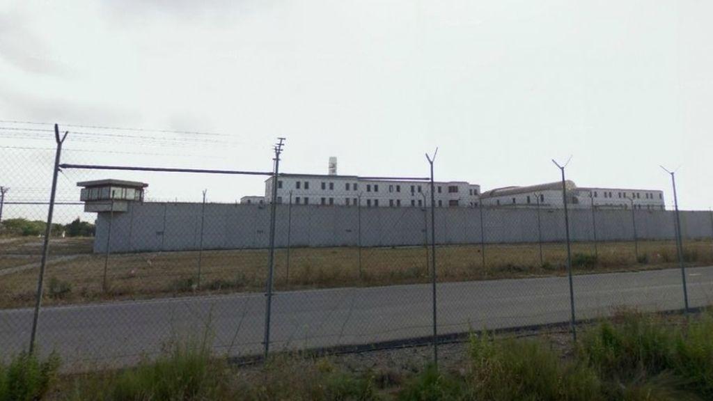 Una presa de la cárcel de Picassent se fuga por la puerta grande