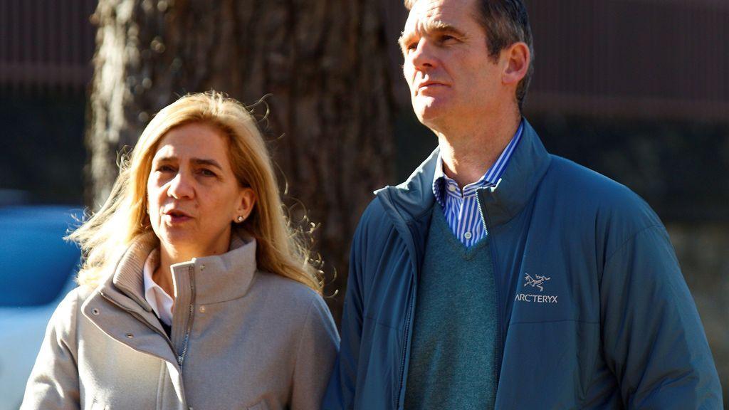 Iñaki Urdangarín pasea con su familia por Vitoria en su primer permiso penitenciario en 18 meses