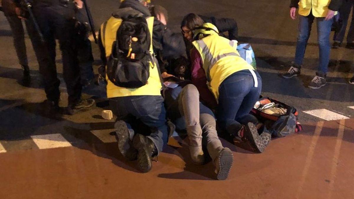 Buscan al conductor que atropelló a una mujer en la protesta contra la sentencia en Barcelona