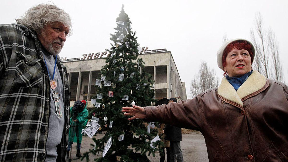 Chernóbil recupera la Navidad con su primer árbol en 33 años