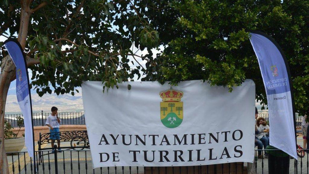 500 euros y una casa a quien matricule a su hijo en el colegio de Turrillas