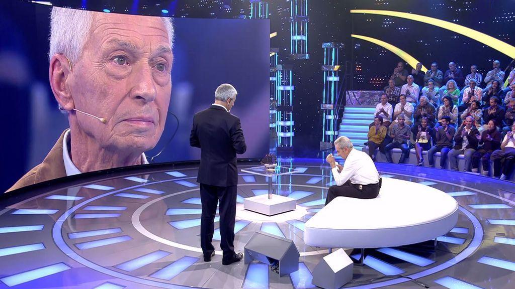 Enrique se rompe al conocer al hombre que salvó a su hijo hace 55 años y le da las gracias entre lágrimas