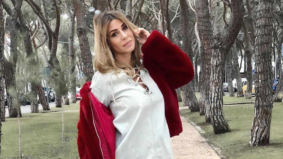 Elena Tablada enseña por primera vez su tripa premamá: con la mano de Ella en la barriga y pijamas navideños