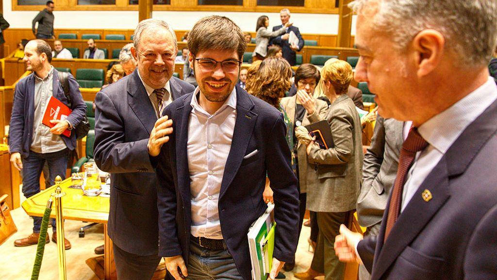 Podemos salva los presupuestos al PNV y al PSE en Euskadi