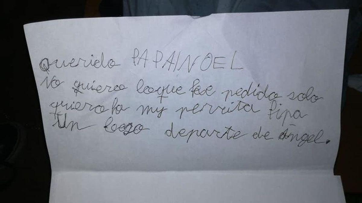 Un niño de siete años renuncia a todos sus regalos a cambio de que Papá Noel le traiga a su perrita