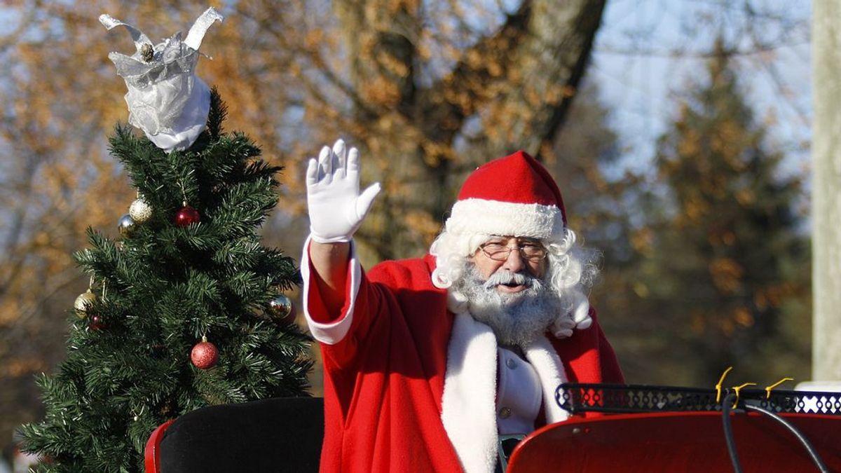 """Un hombre atraca un banco disfrazado de Papá Noel y el dinero robado lo reparte por las calles gritando """"Feliz Navidad"""""""
