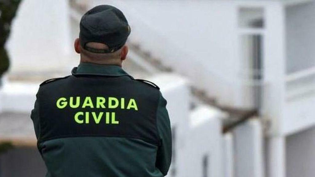 Encuentran el cadáver calcinado de una mujer junto a un coche en Murcia