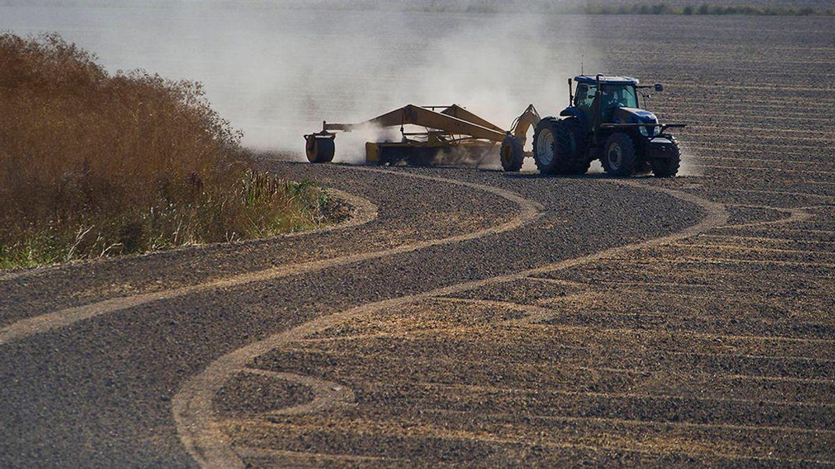 Muere un hombre en Córdoba al caerle encima un tractor