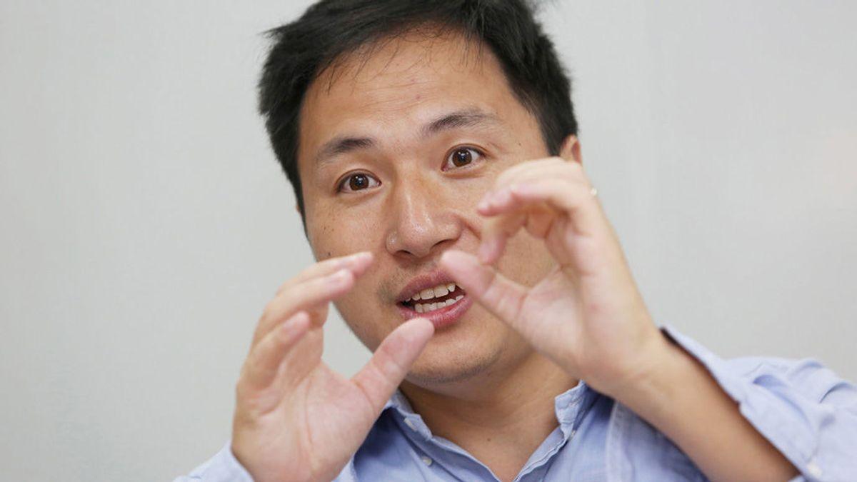 China condena a prisión al científico que editó por primera vez en el mundo los genes de dos bebés