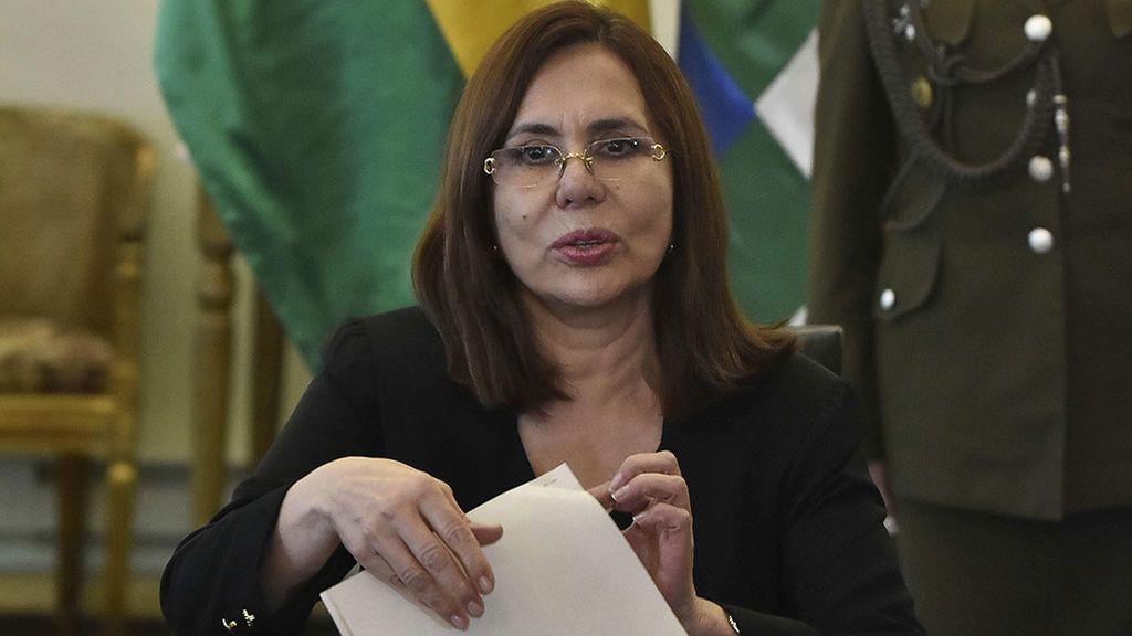 España responde a Bolivia con la expulsión de tres diplomáticos de la embajada de Madrid