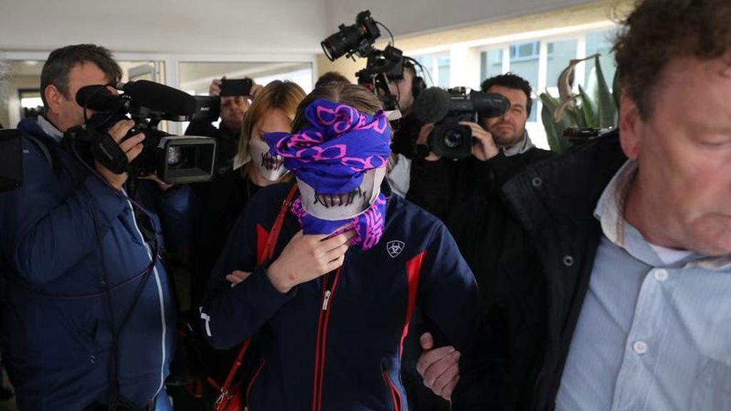 Declaran culpable de mentir a la joven que denunció en Chipre haber sido violada por 12 jóvenes en julio