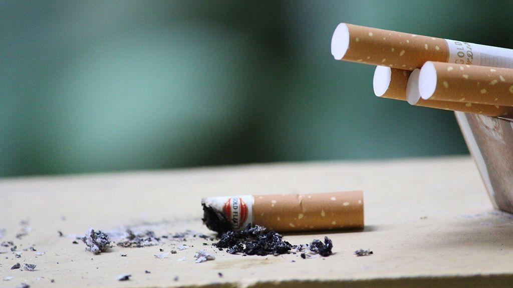 Dejar de fumar, el propósito de Año Nuevo que en 2020 le saldrá casi gratis