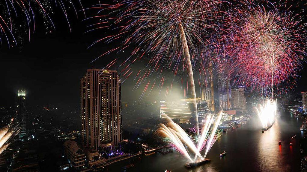 Fuegos artificiales y música: así recibe el mundo al 2020