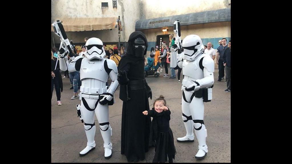 Indie, la niña fan de Star Wars: el lado oscuro también conquista a los más pequeños
