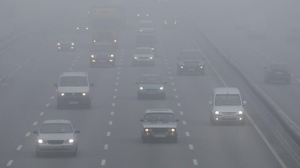 Aviso por niebla en más de 14 provincias: cómo enfrentarte a ella en la carretera
