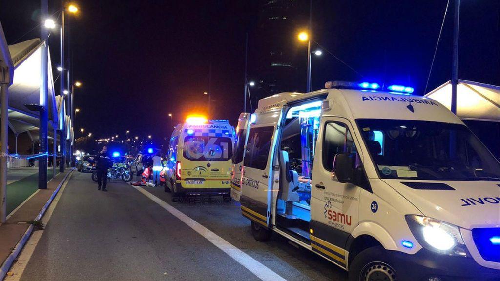 Tiran un petardo contra una ambulancia en Nápoles: el médico corre el riesgo de quedarse sordo