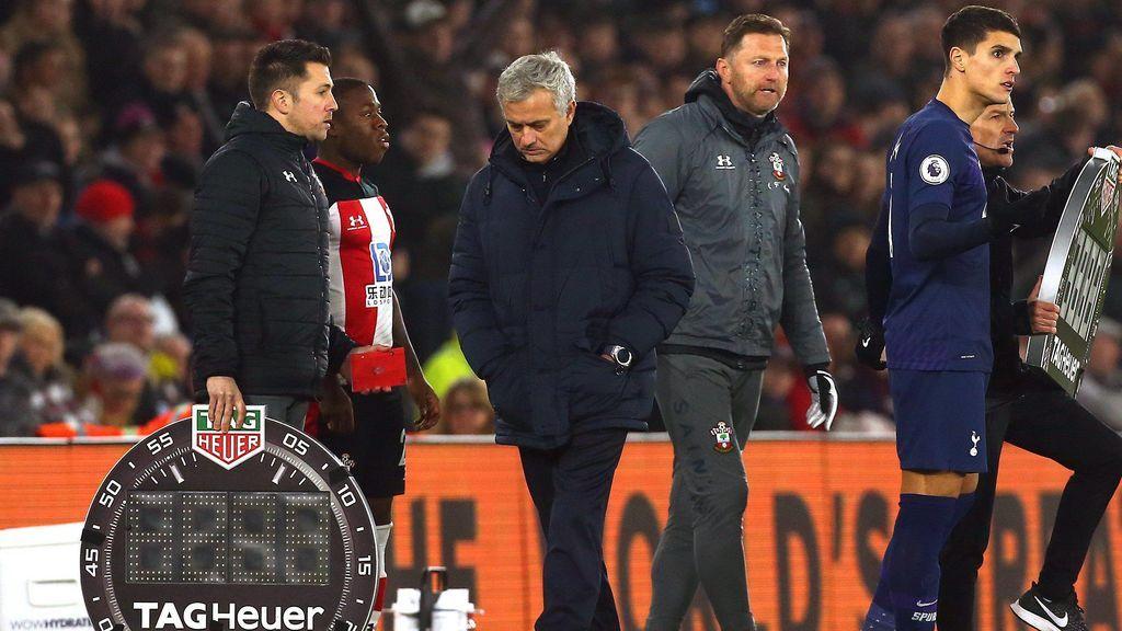 """Mourinho invade el banquillo rival: """"Fui grosero con un idiota"""""""
