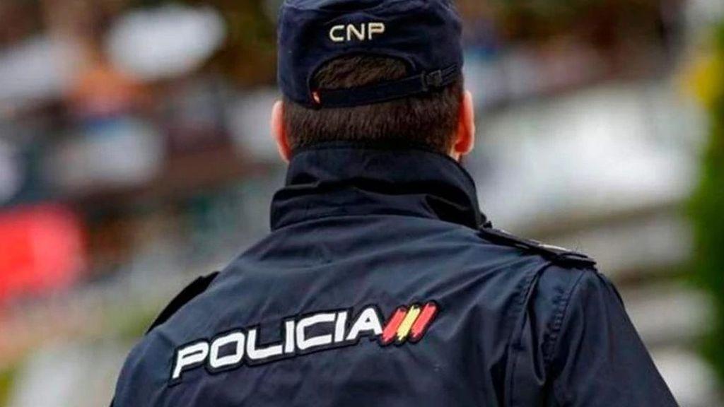 Piden dos años de cárcel para una mujer de 64 años por tocar los genitales del policía que la estaba deteniendo