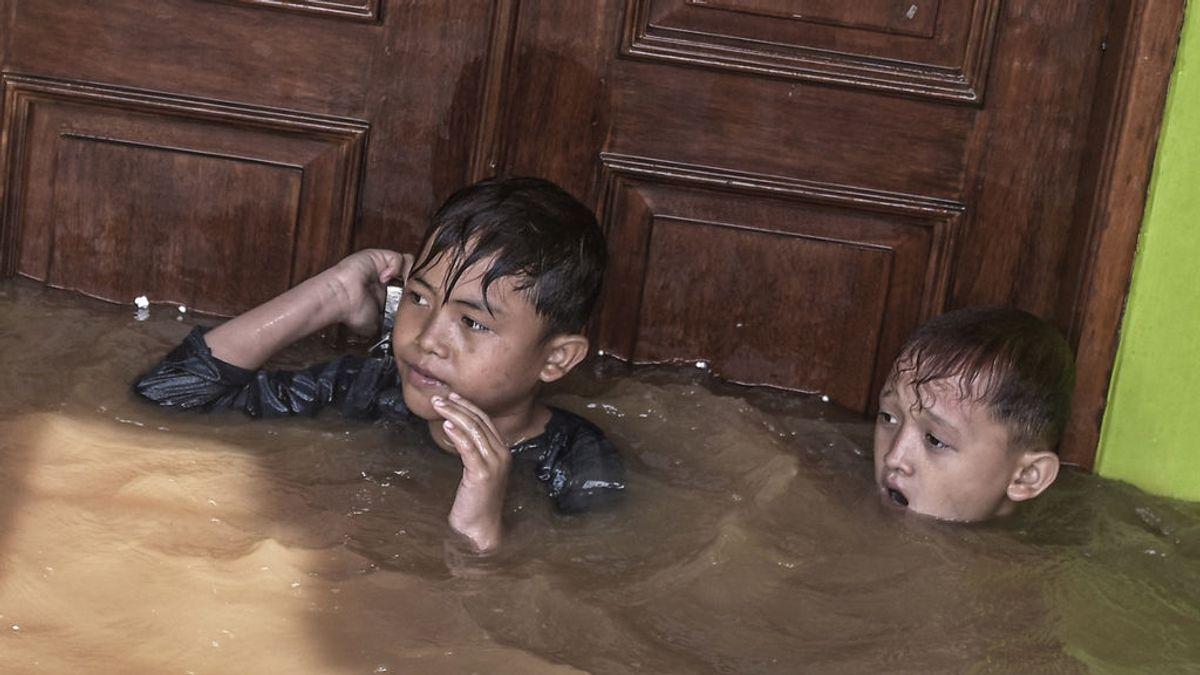 Al menos 43 muertos tras las violentas inundaciones en varias ciudades de Indonesia