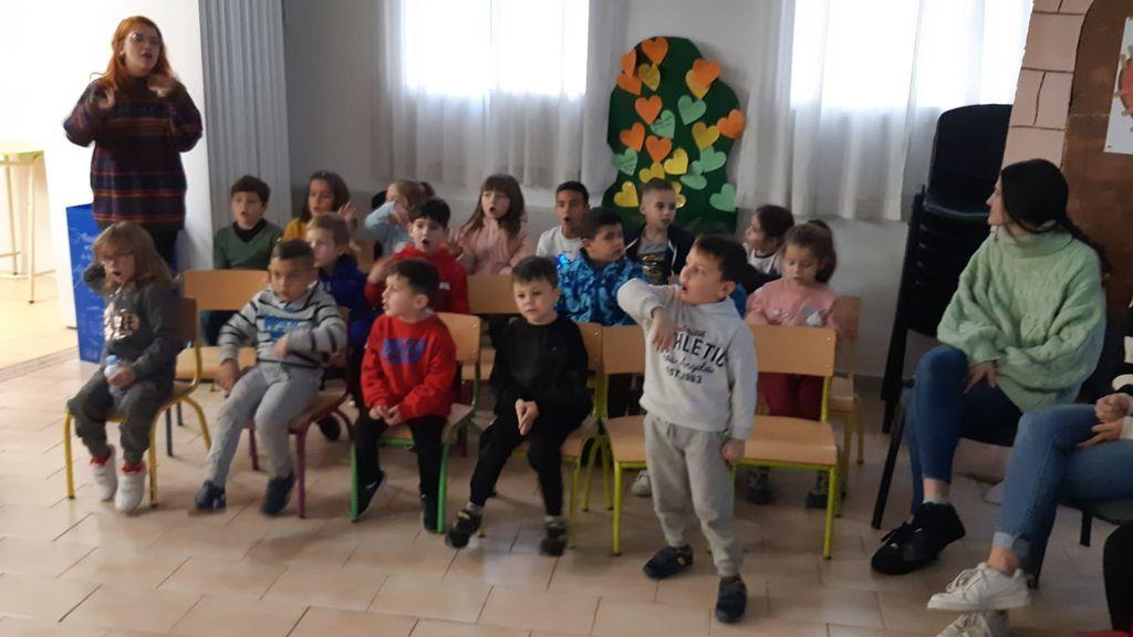 almanjayar niños voluntarios