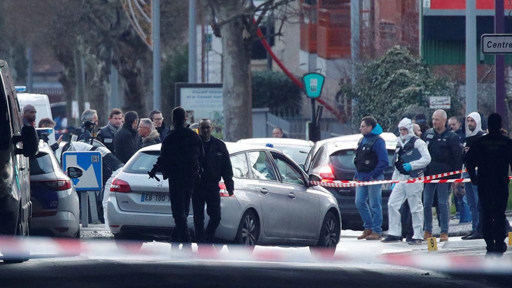 Un muerto y varios heridos tras acuchillar un hombre a varias personas en París