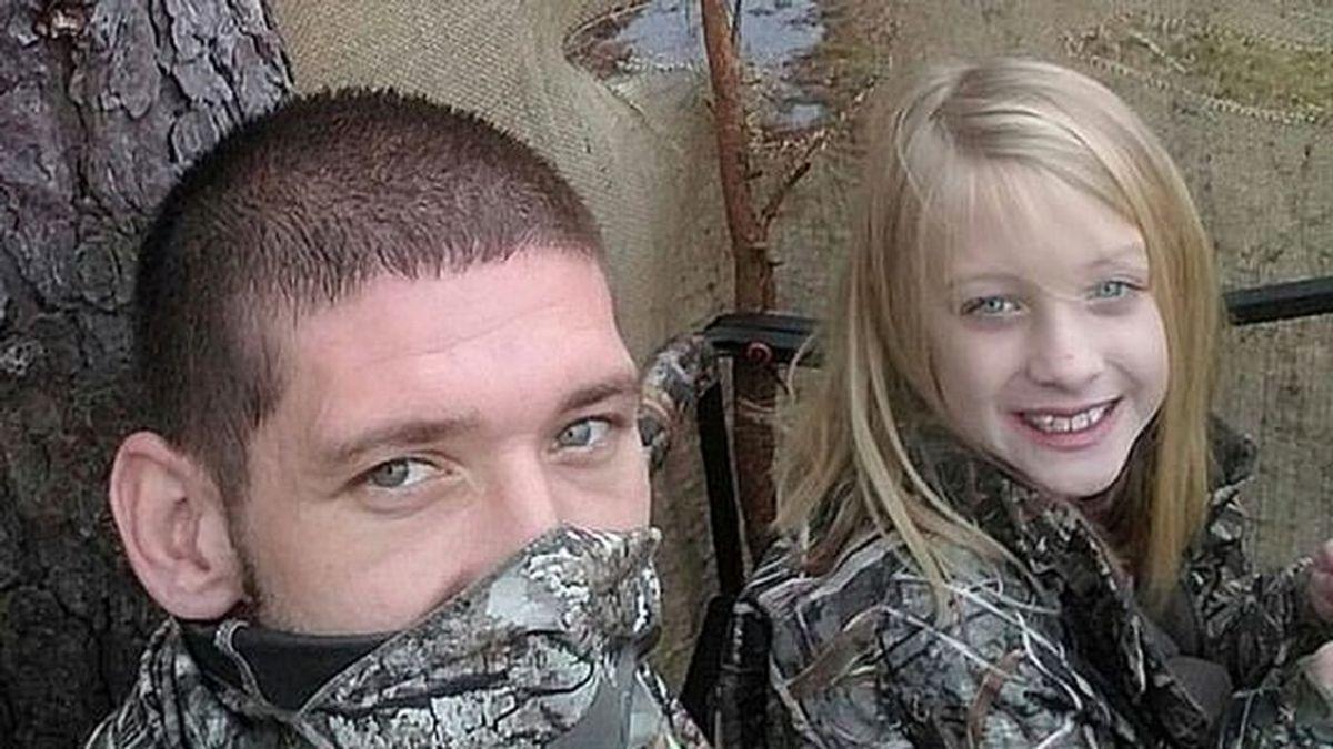 Matan a un hombre y su hija de 9 años a tiros de manera accidental: creían que eran ciervos