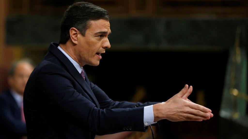 """Sánchez rebate las """"falsedades"""" de Abascal con datos: """"Mienten más que hablan, y mira que hablan bastante"""""""