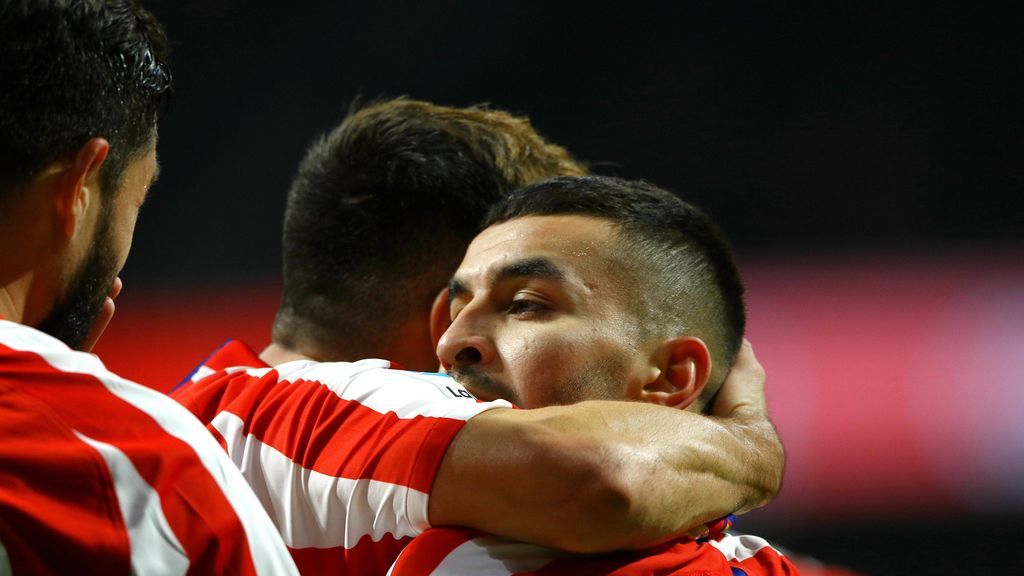 El Atlético estrena el año en el Wanda con victoria ante el Levante (2-1)