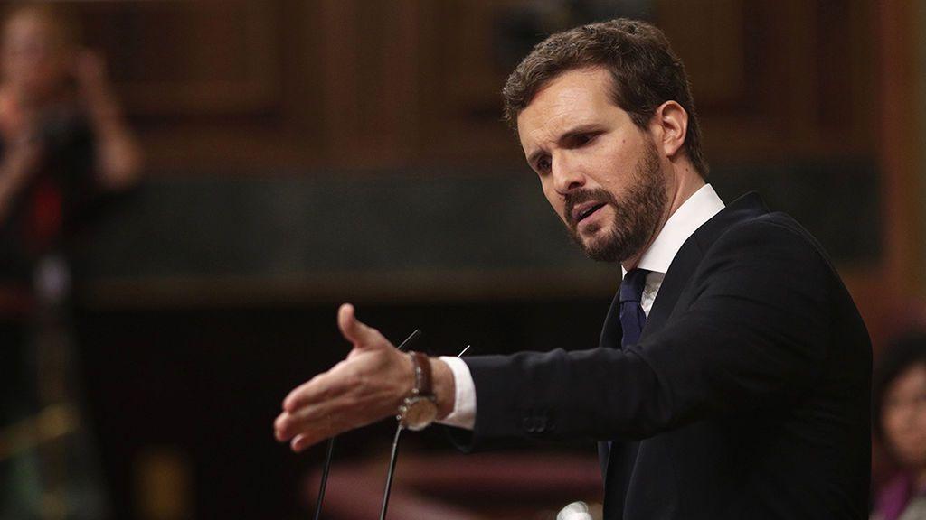 """Casado se erige como """"dique de contención"""" frente al """"precipicio"""" de Sánchez"""