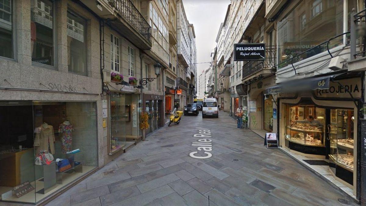 Detenido por violencia de género un hombre atrincherado con un cuchillo en un piso del centro de A Coruña