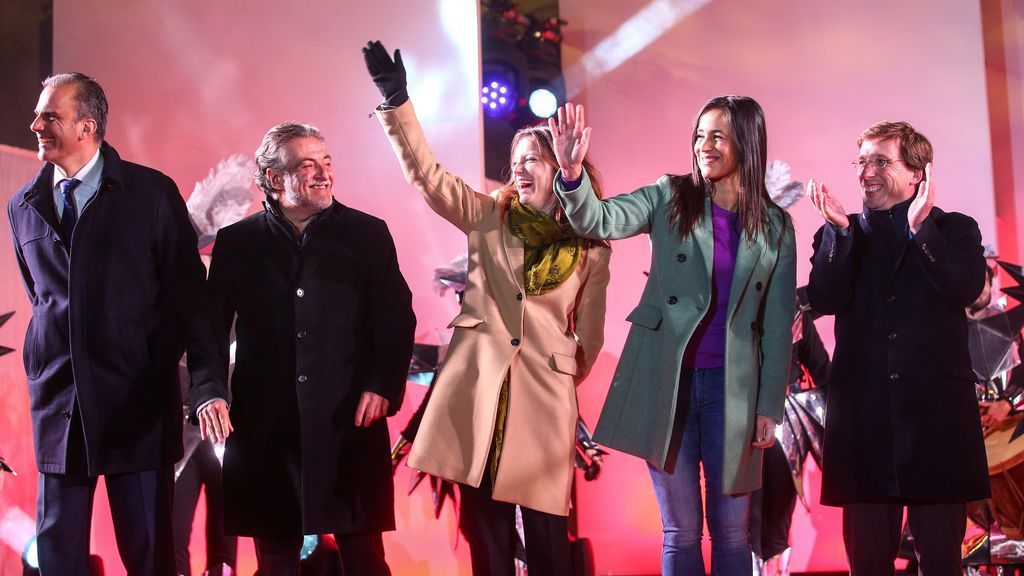 José Luis Martínez-Almeida, Begoña Villacis, Andrea Levy, Pepu Hernández y Javier Ortega Smith en la cabalgata de Madrid