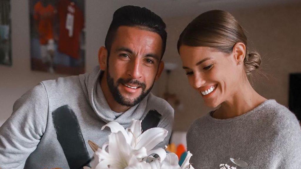 Gala Caldirola 'MyHyV' se casa con el futbolista Mauricio Isla en una boda de cuento de hadas