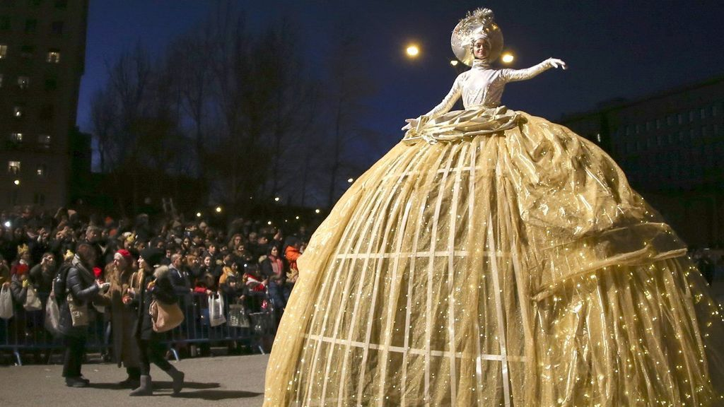 La Cabalgata de los Reyes Magos de Oriente recorre las calles de Madrid