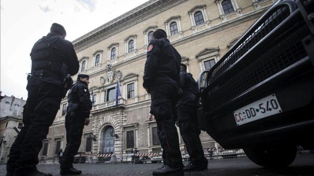 Un coche arrolla a la multitud en el norte de Italia donde han muerto al menos 6 personas