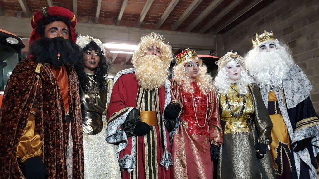 Albesa celebra una Cabalgata de Reyes paritaria, con tres magos y tres magas